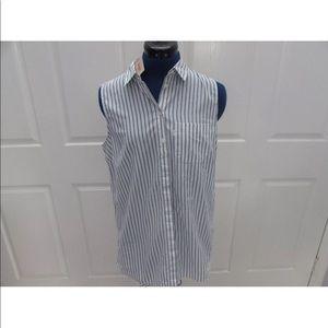 NEW-Women's LEVI'S Sleeveless Button Up Shirt